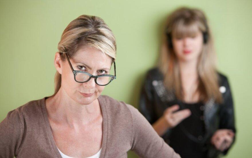 Mamos ir dukros: suaugusių moterų žaidimai