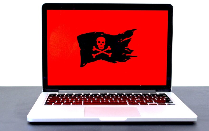 Nelegali programinė įranga darbe kaip išvengti pavojaus