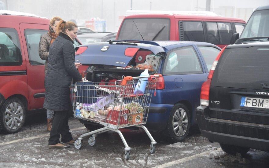 Alkoholio prekybos sugriežtinimai keičia parduotuvių darbo laiką