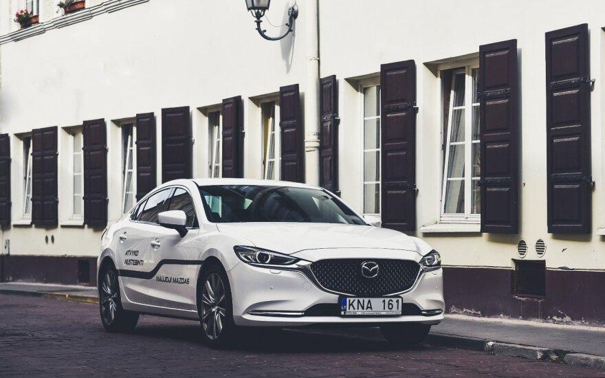 """Į Lietuvą atkeliavo atnaujintas """"Mazda 6"""" modelis. Gamintojo nuotr."""