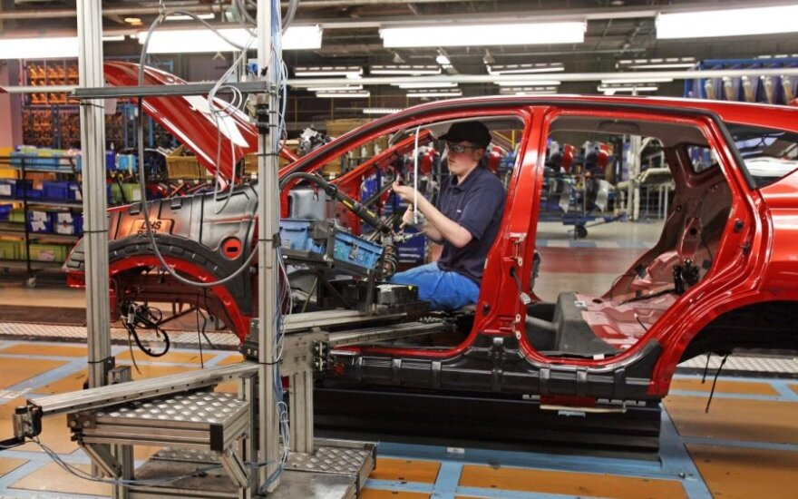Automobilių gamyba, nissan
