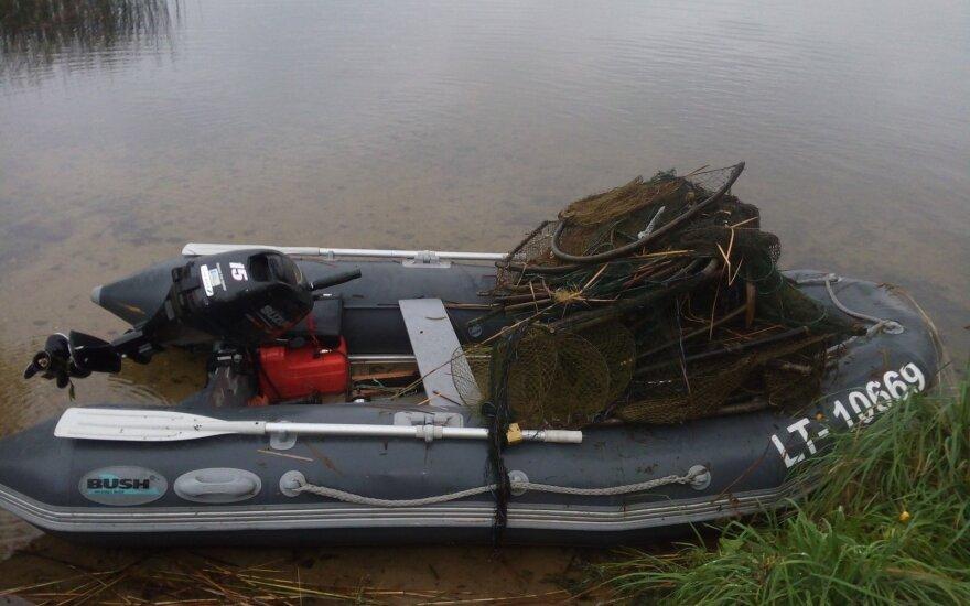 Iš Obelijos ežero ištraukti venteriai
