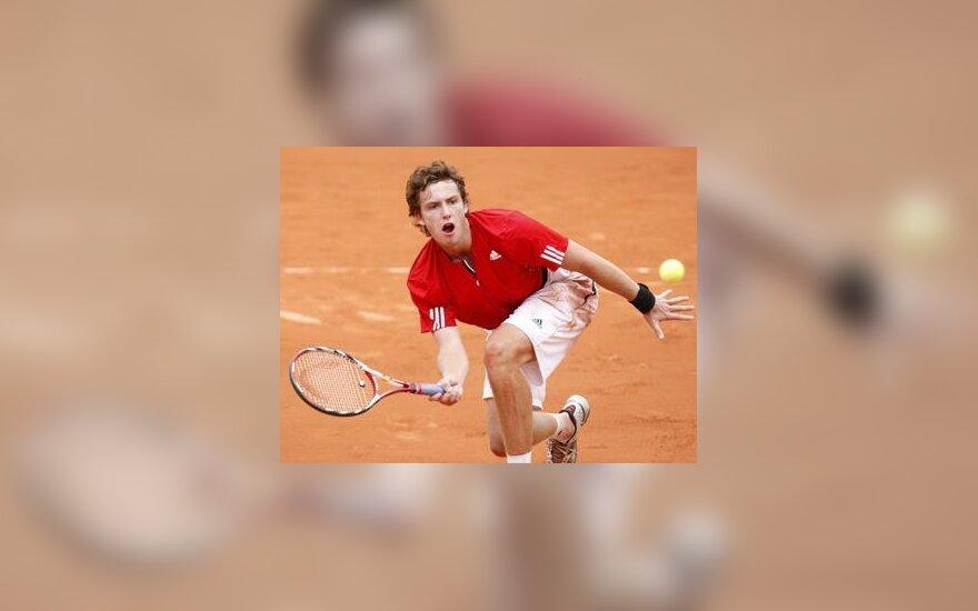 """Latvis E.Gulbis pergale pradėjo """"Didžiojo kirčio"""" turnyrą Prancūzijoje"""