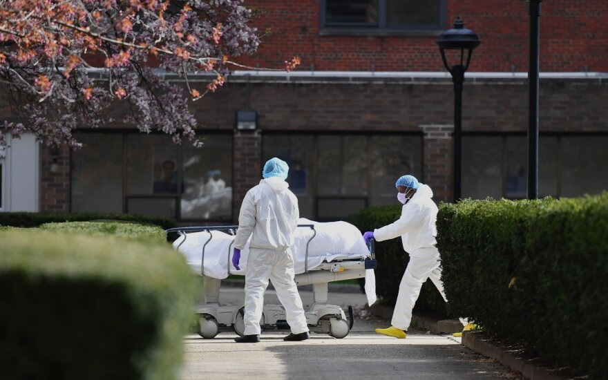 Kanados vyriausybė prognozuoja, kad nuo COVID-19 gali mirti 11–22 tūkst. piliečių