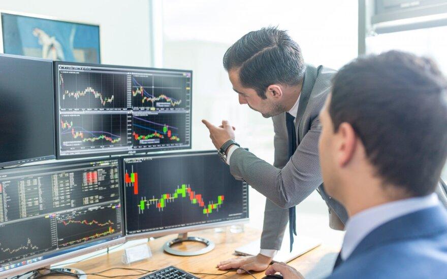 Auga investuotojų susirūpinimas dėl Italijos ateinančių metų biudžeto