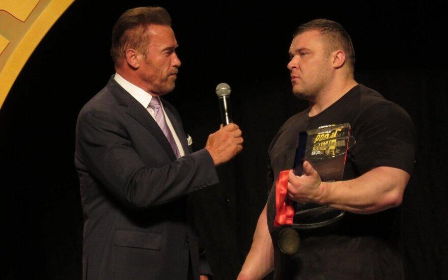 Arnoldas Schwarzeneggeris, Vyautas Lalas