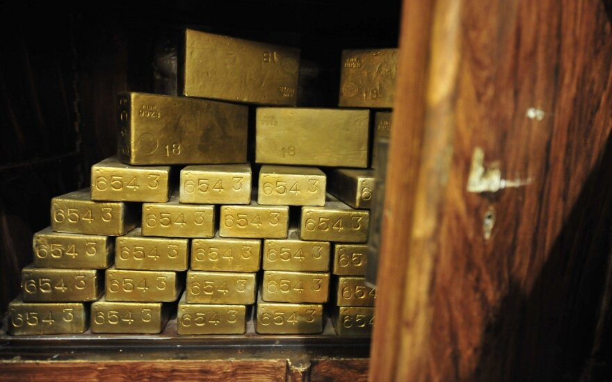 Lithuanian investors plan to pump record amount into gold in March
