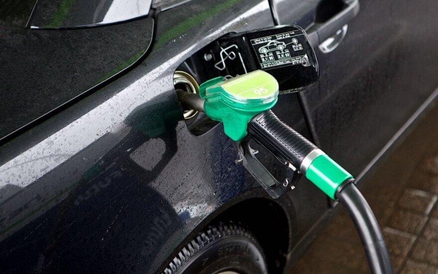 Tyrimas: renkantis degalus kaina yra pagrindinis kriterijus