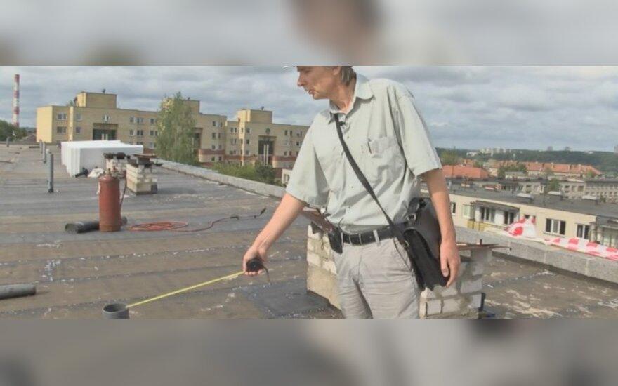 E. Petrauskas parodė, kokias klaidas statybininkai padaro dažniausiai / DELFI stopkadras
