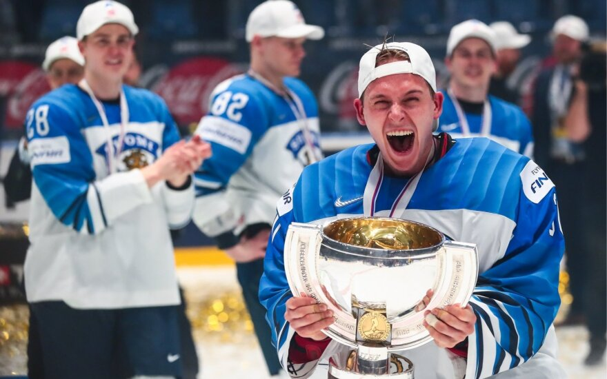 Suomijos ledo ritulininkų triumfas