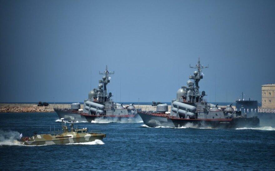 Rusijos admirolai: neleisime JAV surengti jūrinės blokados
