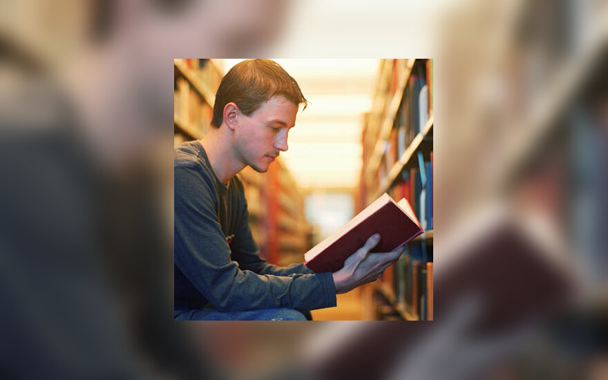 studijos, studentas, skaityti, biblioteka, knygos, mokytis