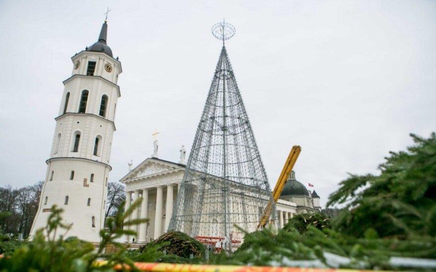 Vilnius ruošiasi Kalėdoms: egle taps aliuminio konstrukcija