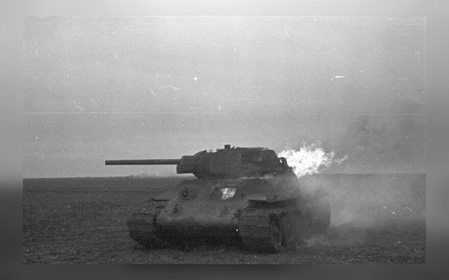 Pamuštas sovietų tankas T-34. 1941-ieji metai