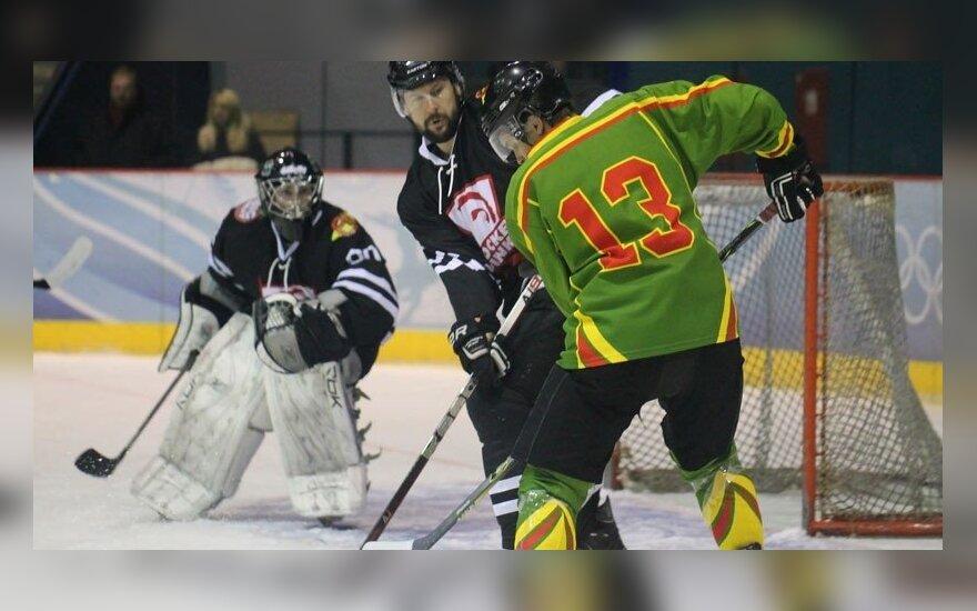 Lietuvos ledo ritulio čempionate – vieno žaidėjo šou ir pašalinimas už smūgį į galvą
