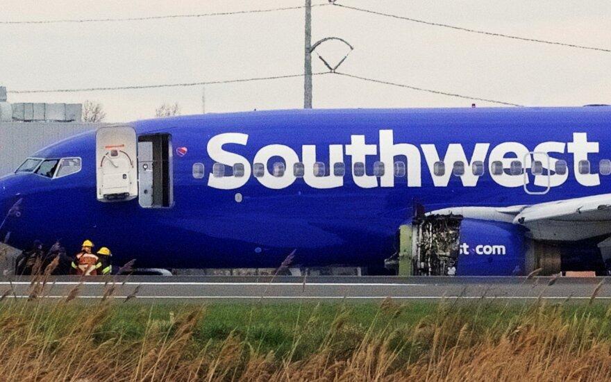 """Po """"Southwest Airlines"""" incidento JAV nurodyta patikrinti lėktuvų variklius"""