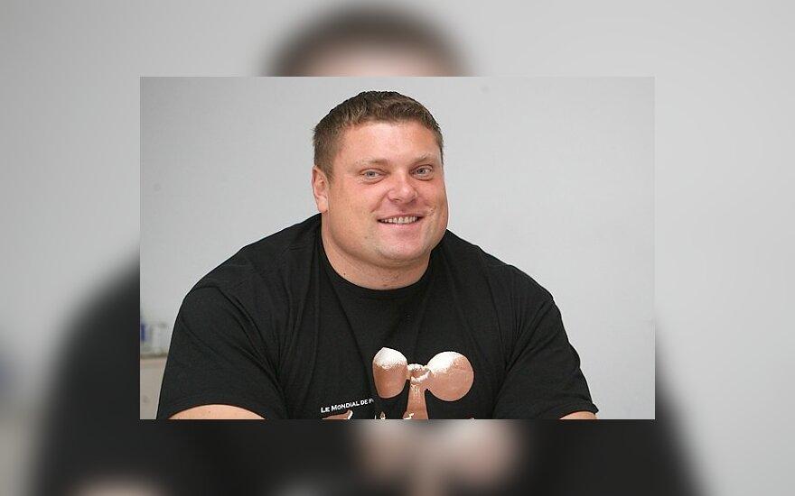 Ž.Savickas laimėjo Europos čempionatą ir pasiekė naują pasaulio rekordą