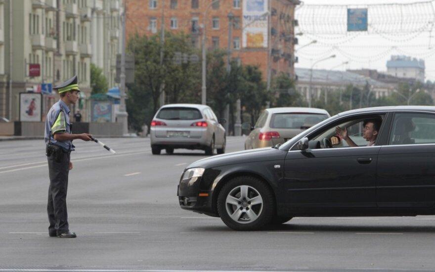 Automobilių mokesčio lenktynėse Baltarusija aplenkė Lietuvą