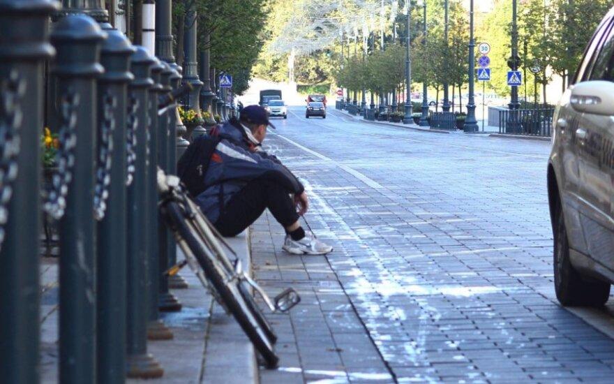 V. Normanas. Neteisingumas Lietuvoje: per didelės pensijos, socialinės pašalpos ir MMA
