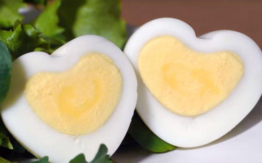 Meilės savaitgalio pusryčiai – kiaušinis-širdelė
