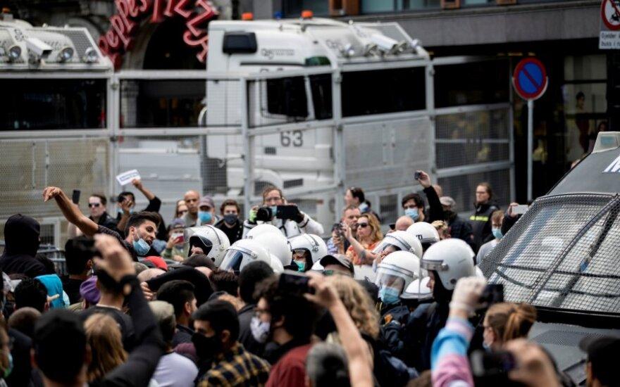 Osle per protestą suplėšius Koraną kilo susirėmimai