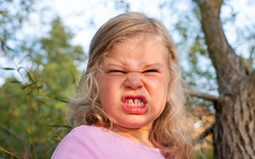 Kaip padaryti, kad supykęs vaikas elgtųsi mandagiai