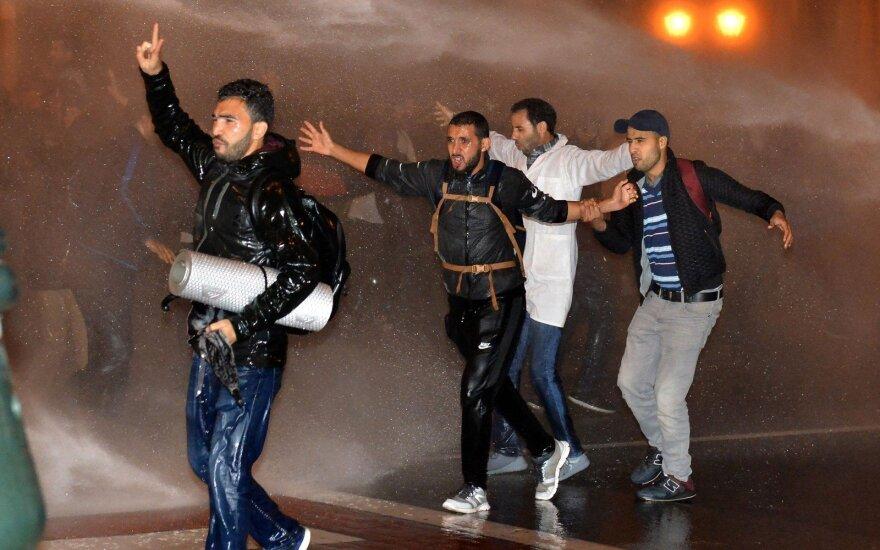 Moroko policija vandens patranka išvaikė protestuojančius mokytojus