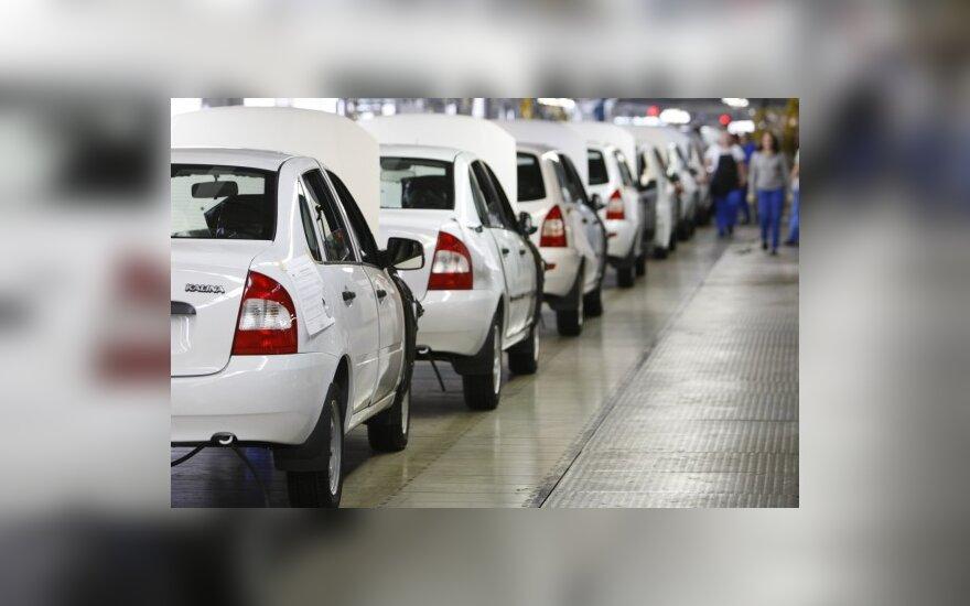 Rusijoje perkamiausiais išlieka vietos automobiliai