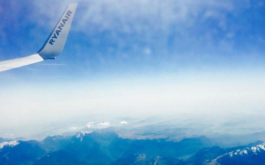 Skrydis į Angliją vos nesibaigė tragedija: pilotams prireikė titaniškų pastangų