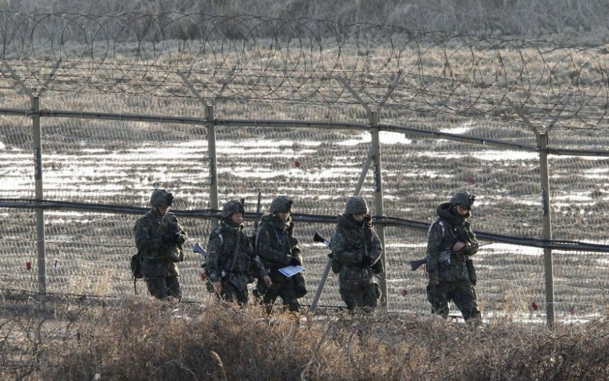 Pietų Korėja ir JAV pradėjo metines jungtines karines pratybas