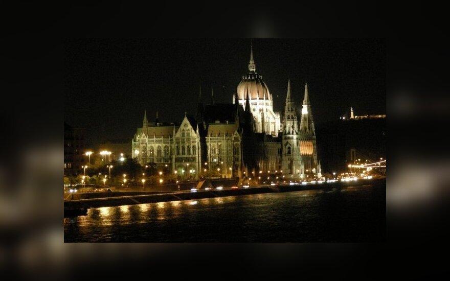 Vengrijos sostinėje evakuota dalis parlamento, aptikus karo laikų bombą