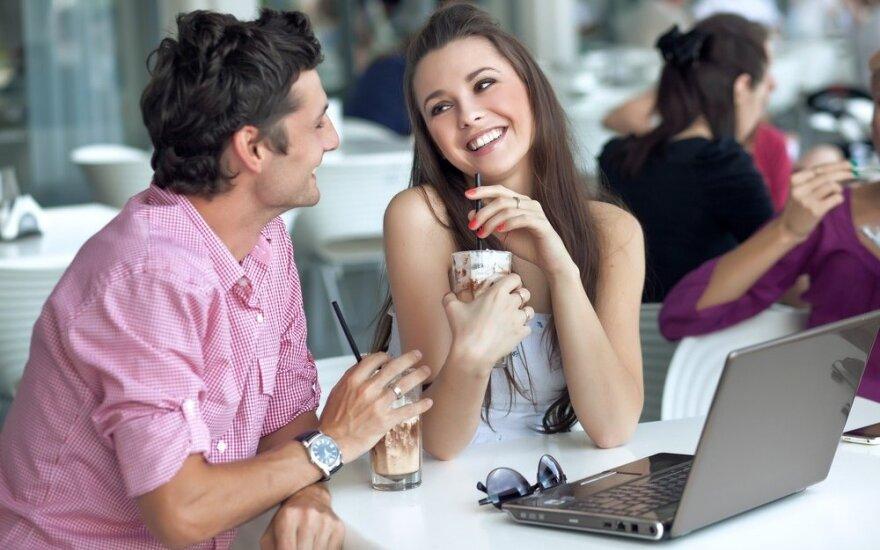Pažintys internete: patarimai ieškantiems meilės
