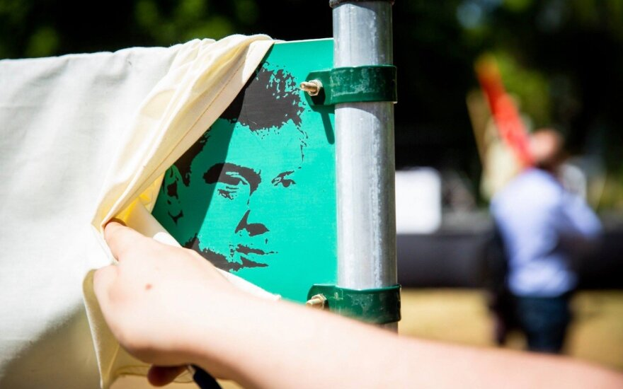 Square named after Nemtsov to be officially opened in Vilnius