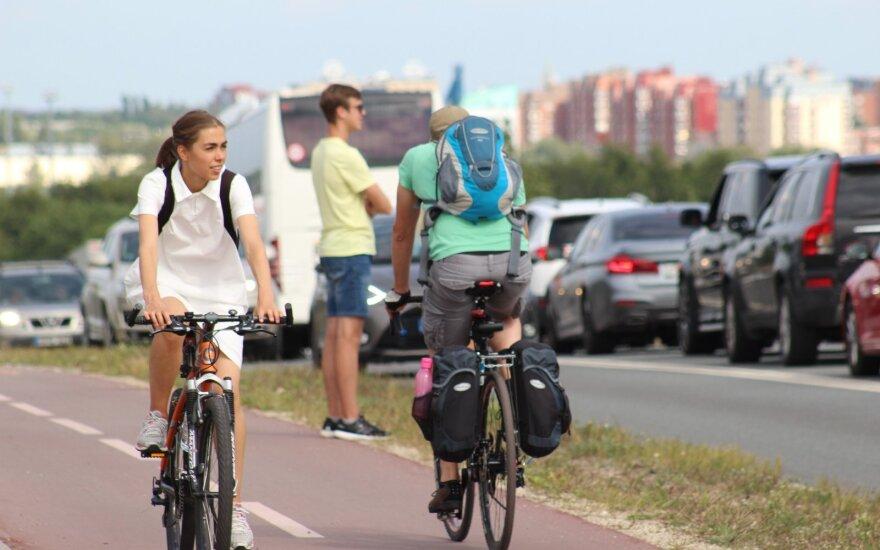 Iki 23 mln. eurų padidintas finansavimas dviračių ir pėsčiųjų takams