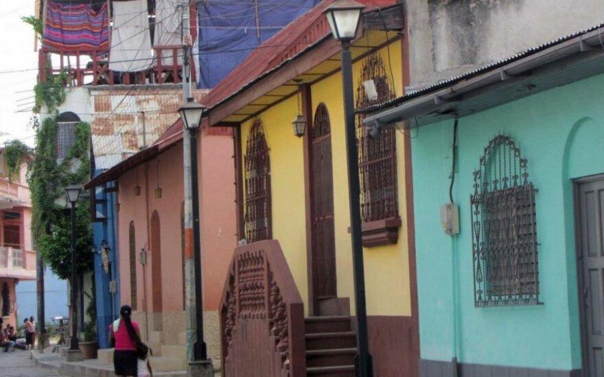 Nuotykiai Centrinėje Amerikoje. Laiko užmiršta sala - Las Flores