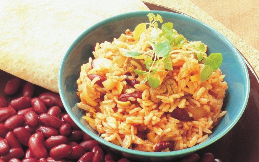 Meksikietiškai ruošti ryžiai su jautiena ir pupelėmis