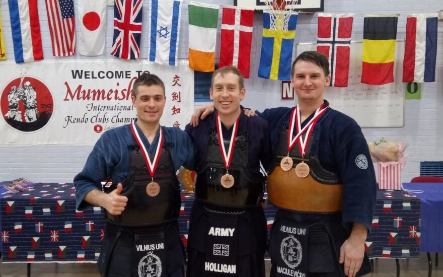 (iš kairės) Mindaugas Sakalauskas, Kevinas Holliganas ir Mykolas Maciulevičius