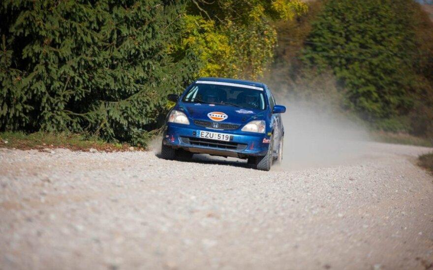 KET naujovės - automobilių sporto neriboja