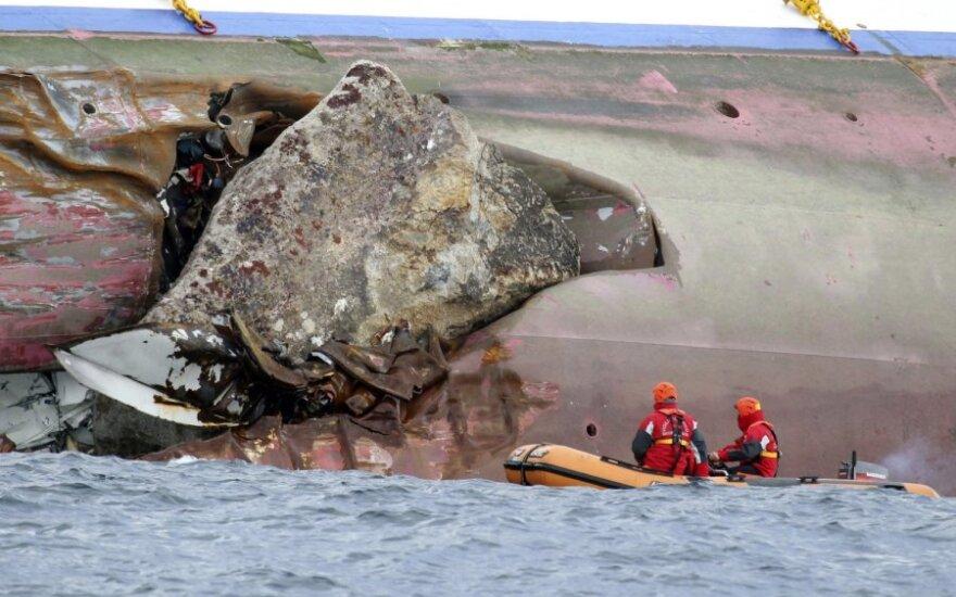"Nuskendęs laivas ""Costa Concordia"""