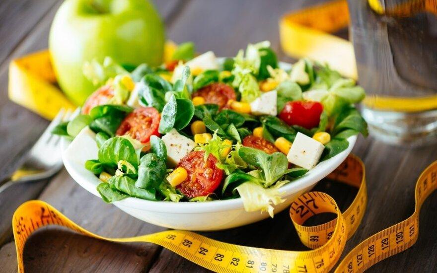Gydytoja: nepavojingų dietų nebūna