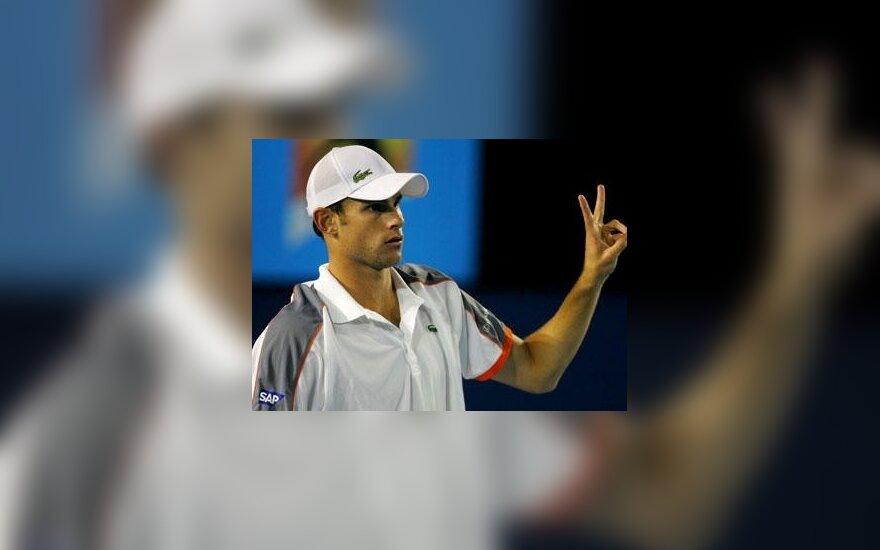 Teniso žvaigždė A.Roddickas pasekė R.Federerio pėdomis ir ruošiasi vestuvėms