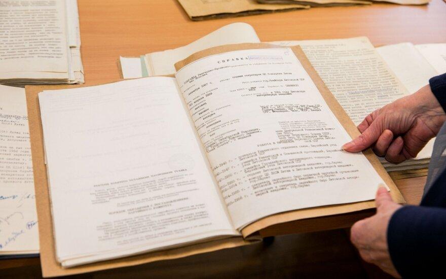 Savo šeimos istoriją sužinoti galės visi: ilgus metus dūlėję dokumentai taps vieši