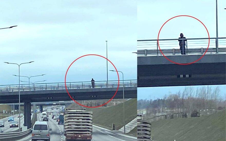 """Policija greitį matavo nuo Vakarinio aplinkkelio viaduko. """"Facebook"""" grupės """"Reidas Vilniuje"""" nuotr."""