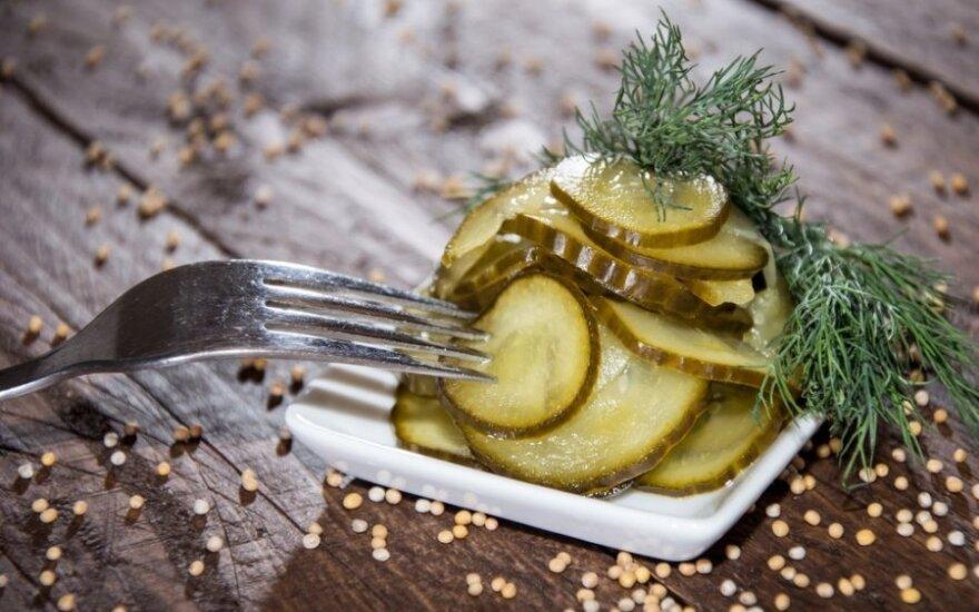 """""""Mano geriausias konservavimo receptas"""": agurkai su salierais ir cinamonu"""