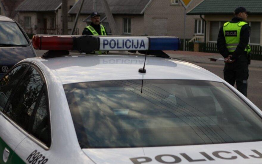 Atkaklus policijos rėmėjas 8 kilometrus persekiojo girtą vairuotoją