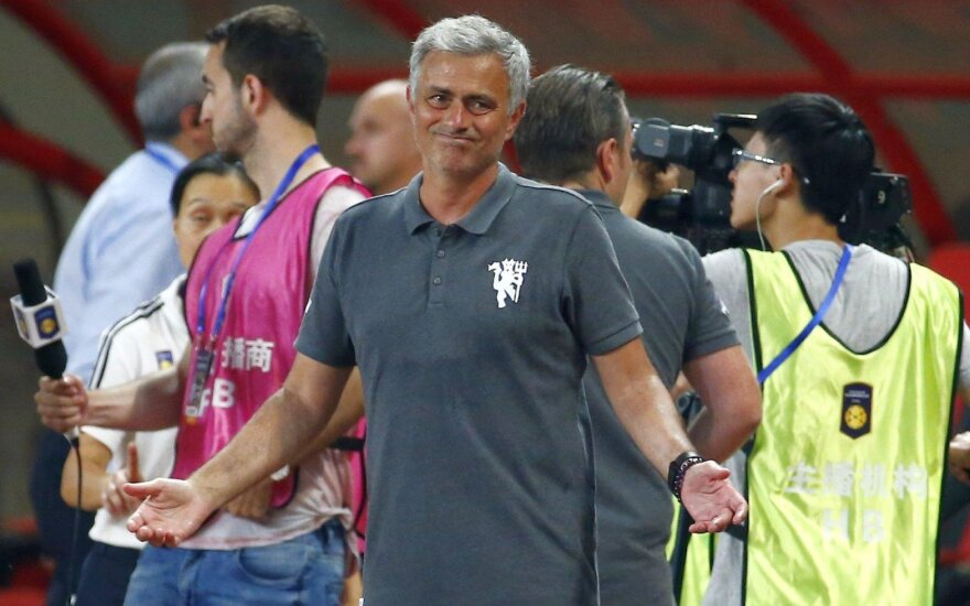 """Borussia"" sutriuškino ""Man United"" klubą su J. Mourinho"