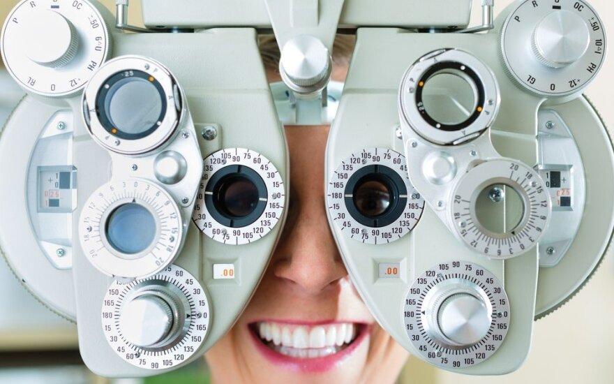 Ką rinktis sutrikus regėjimui: akinius, pratimus ar operaciją?