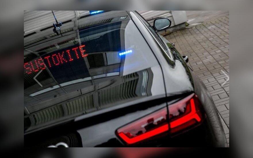 Varėnos rajone girtas nepilnametis bandė papirkti policijos pareigūnus