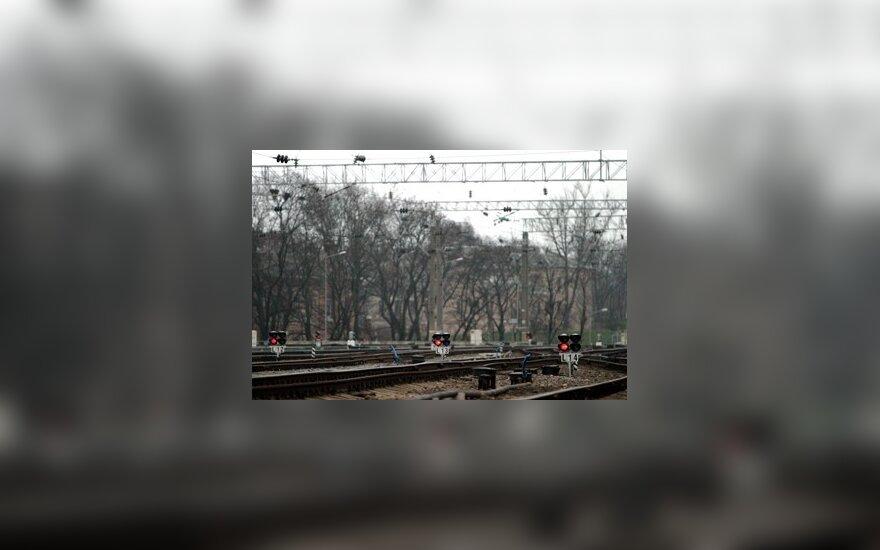 Vyras žuvo po krovininiu traukiniu