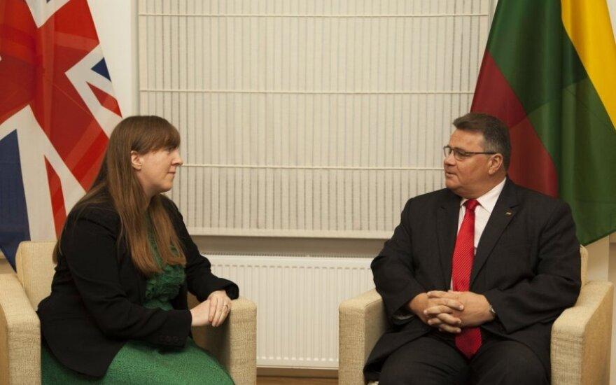 UK Ambassador Claire Lawrence and Lithuanian Foreign Minister Linas Linkevičius. Photo MFA